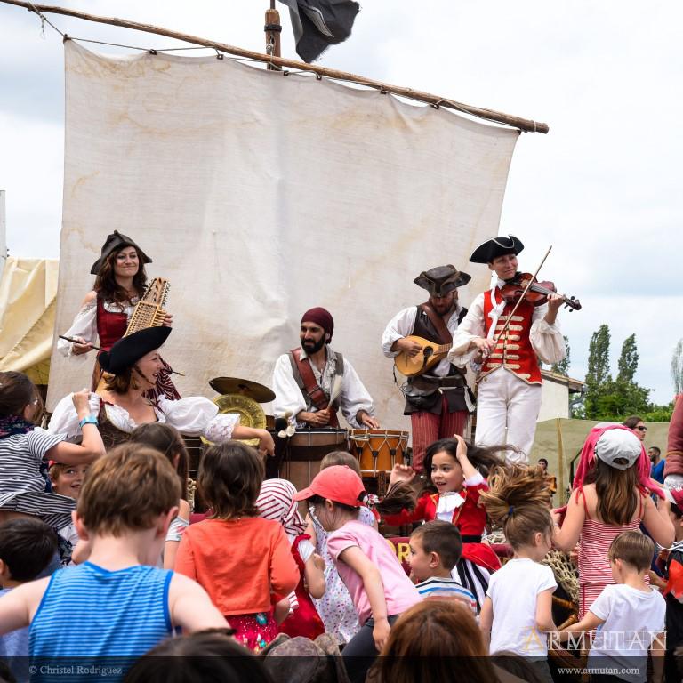 19-Danses-pirates-Armutan