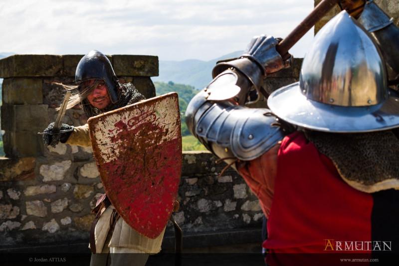5Moyen-Age-combat-Armutan