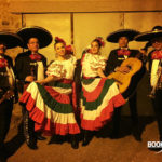 MAIRIE - PARADE MEXICAINE - DANSEUSES MEXICAINES ET MARIACHIS DEFILE AGENCE BOOKING FEVER